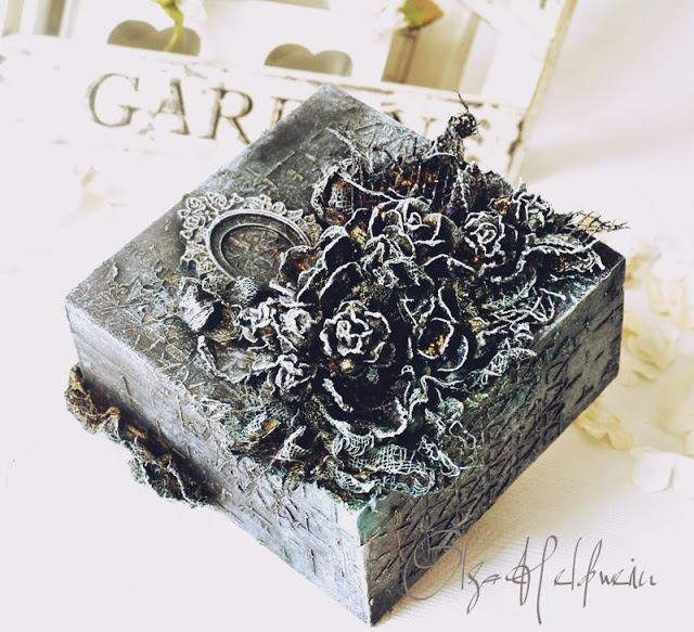 Black box with 3d flowers