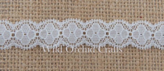 1.1 Yards (1 METRE) LENGTH WHITE DECORATIVE GALLON LACE