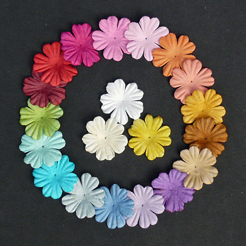"100 MIXED COLOUR SUMMER BLOOMS (20 colours - 2,2cm / 0,85"")"